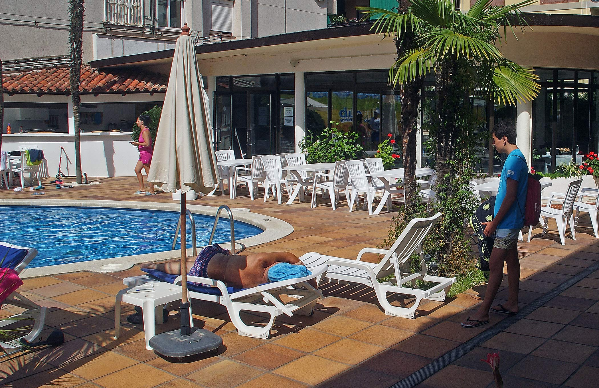 Swimming-pool and Snack-Bar