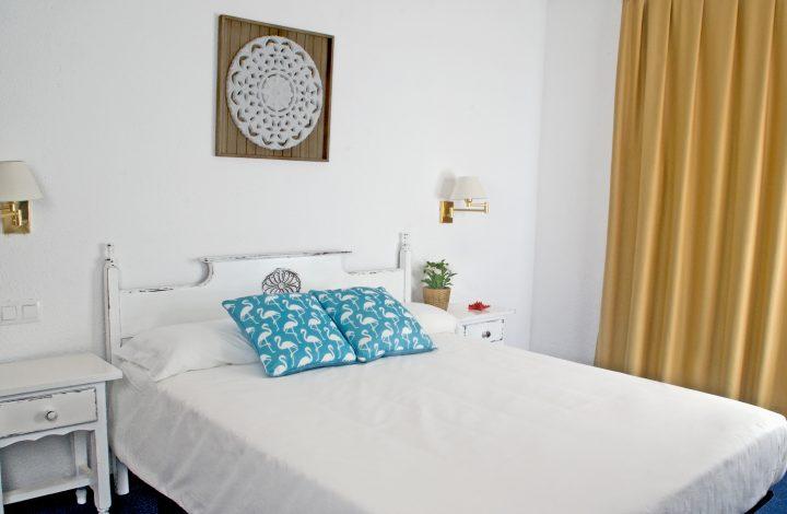 Habitación doble con balcón (1 o 2 camas)