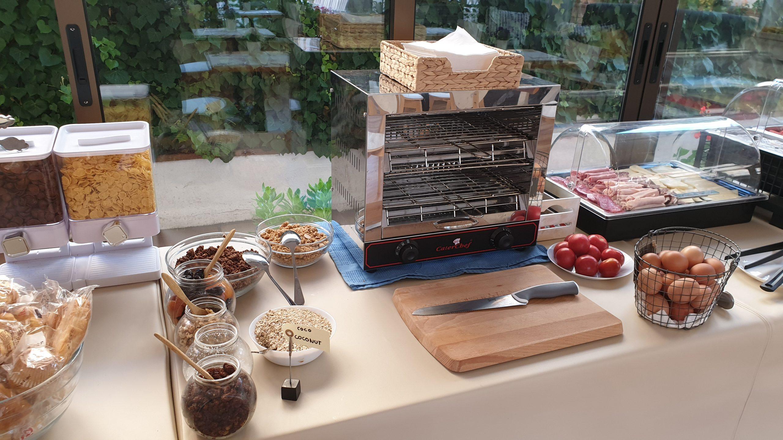 Desayuno buffet continental